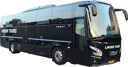 Touringcarvervoer met luxe 50-persoonsbus